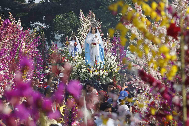 25- Procesión de Flores y Palmas en Panchimalco 1