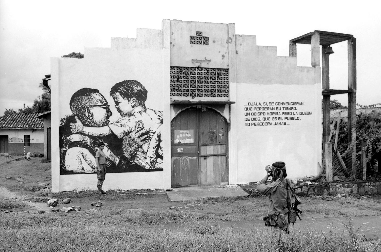 38-Una fotografia para la historia. Perquin Morazan 1988.