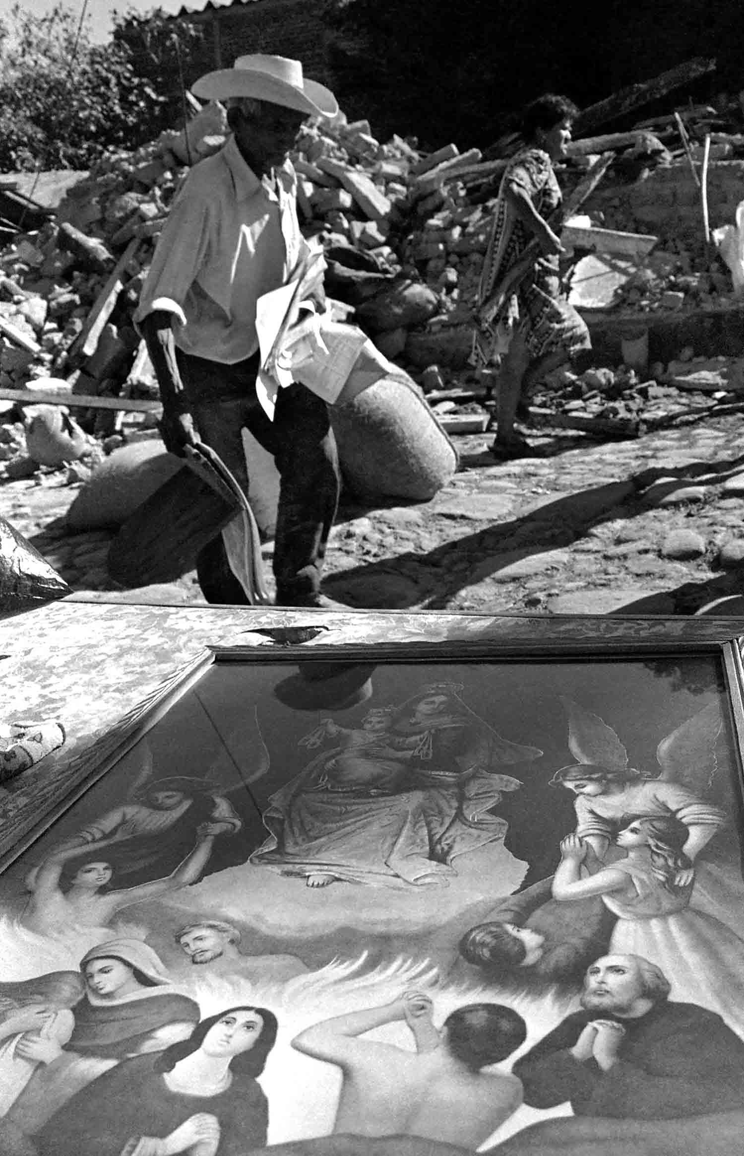 45-Damnificados terremoto San Vicente. Febrero de 2001