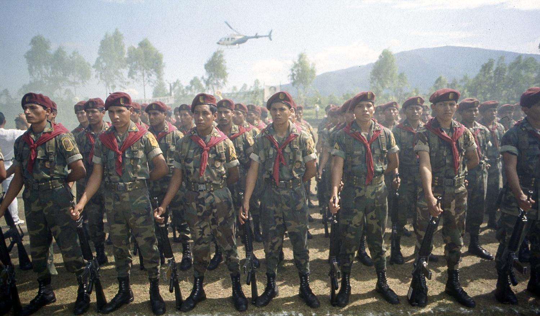 Desmovilizacion de Batallones contrainsurgentes fin de la fuerra en El Salvador, San Miguel 1993.
