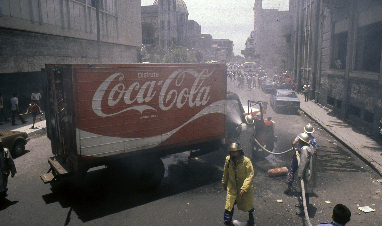 Violencia por protestas de organizaciones populares San Salvador, 1987.