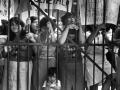 """Mujeres miembros del Comité de Presos Políticos de El Salvador (COPPES) recluidas en el penal de Ilopango, """"Cárcel de Mujeres"""", San Salvador 1987."""